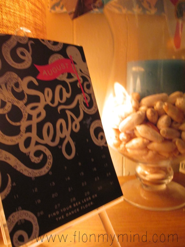 Lilly pulitzer calendar and candle filled with shells www.flonmymind.com