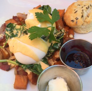 Belly Benedict at Sun in My Belly